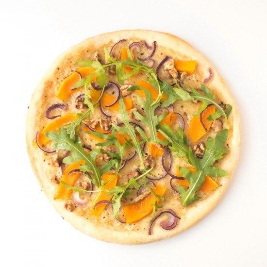 Rezept herbstliche Kürbis-Pizza mit Walnüssen