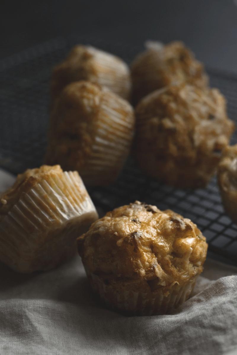 Rezept Herzhafte Apfel-Lauch-Muffins mit Käse