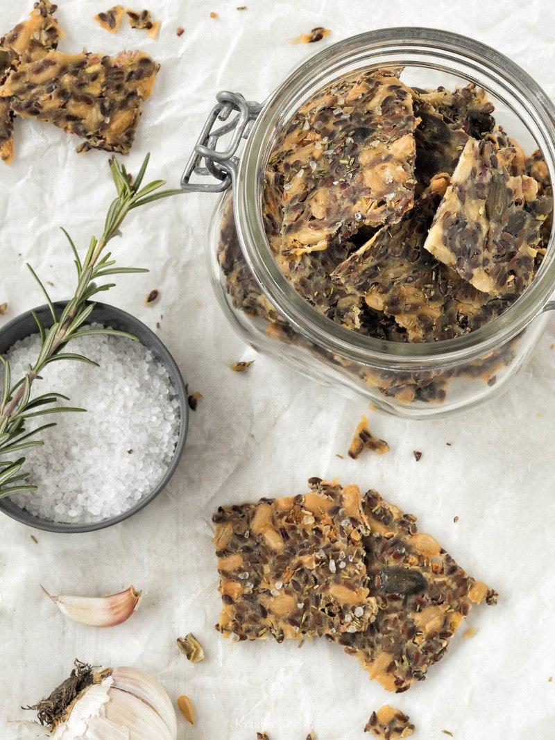 Rezept Herzhafte Leinsamen-Cracker mit Rosmarin