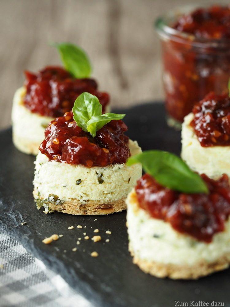 Rezept Herzhafte Mini-Cheesecakes mit Tomaten-Marmelade