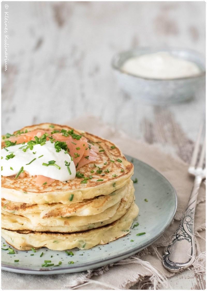 Rezept Herzhafte Pancakes mit Räucherlachs und Meerrettichschmand