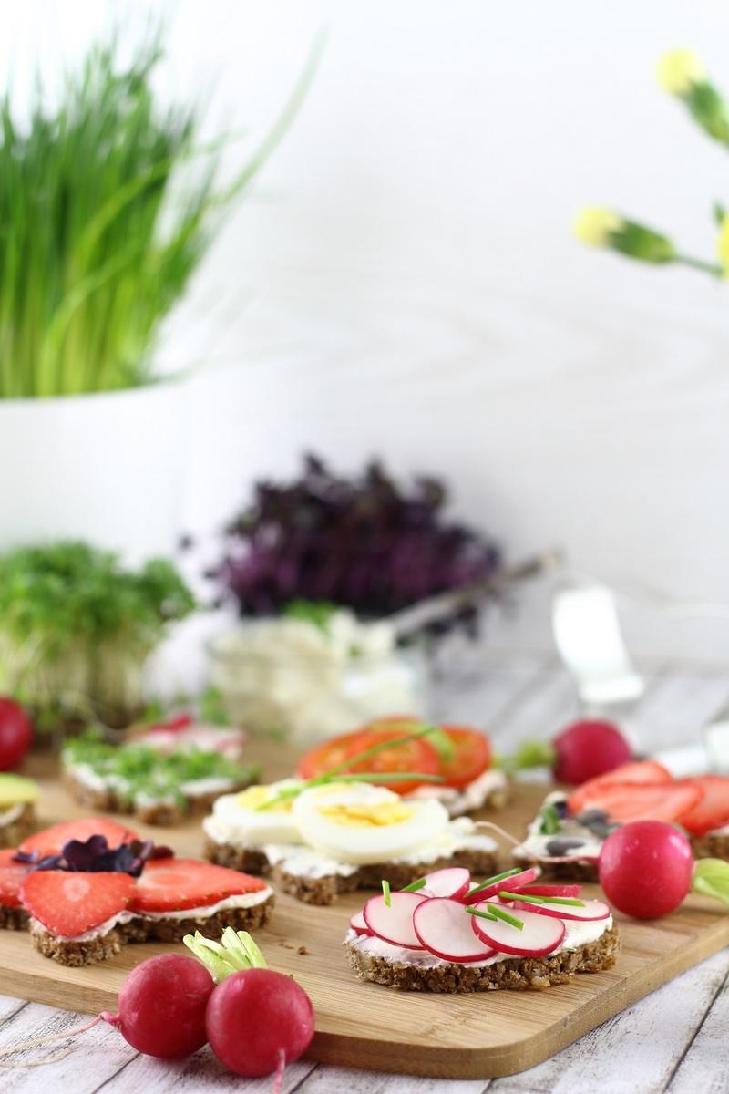 Rezept Herzhafte und süße Oster-Canapés für den Osterbrunch