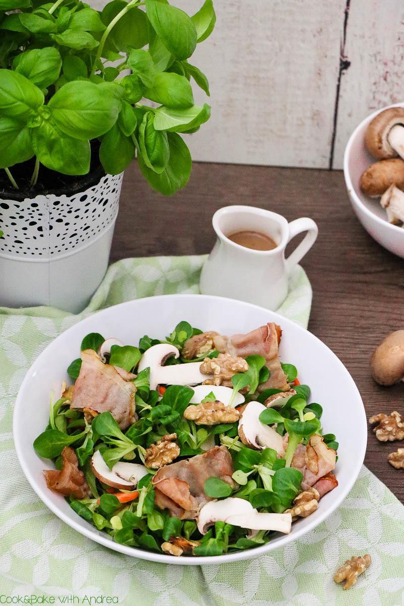 Rezept Herzhafter Salat mit Speck und Champignons