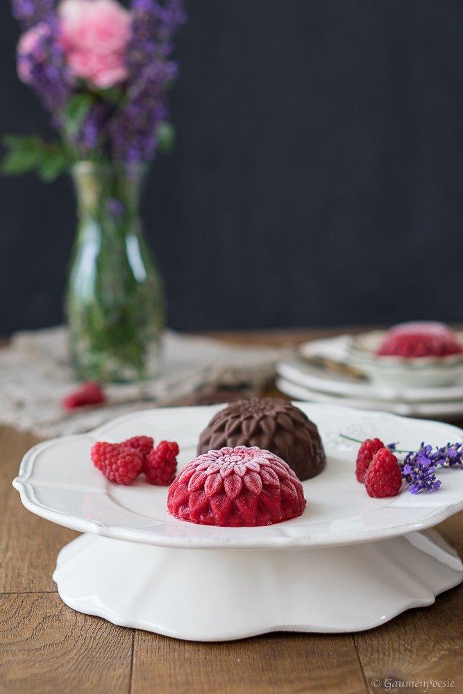Rezept Himbeer-Eis-Blumen mit Schokolade