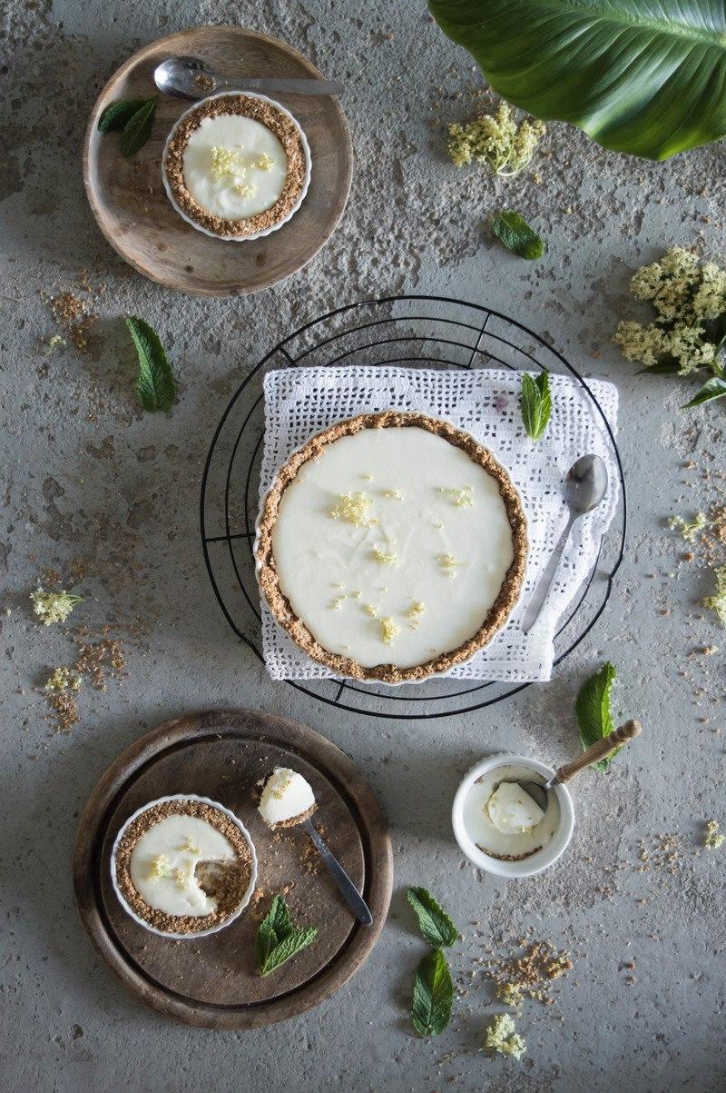 Rezept Holunder Tarte mit Joghurtcreme und Knusperboden
