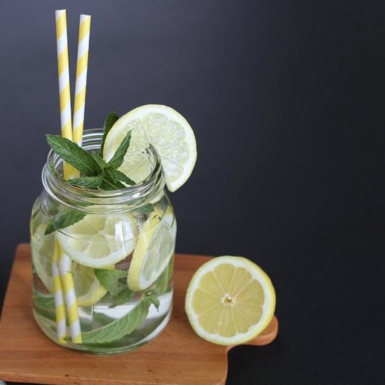 Rezept Holunderblüten-Zitronen Limonade mit Pfefferminz