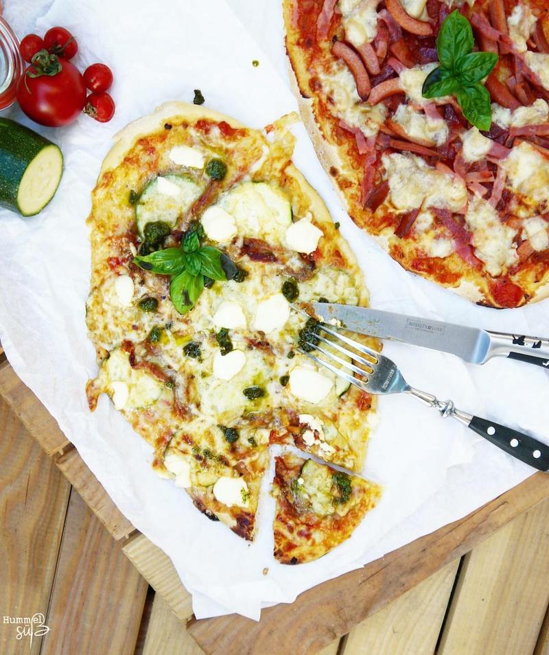Rezept Homemade Pizza, mit selbstgemachter Tomatensoße
