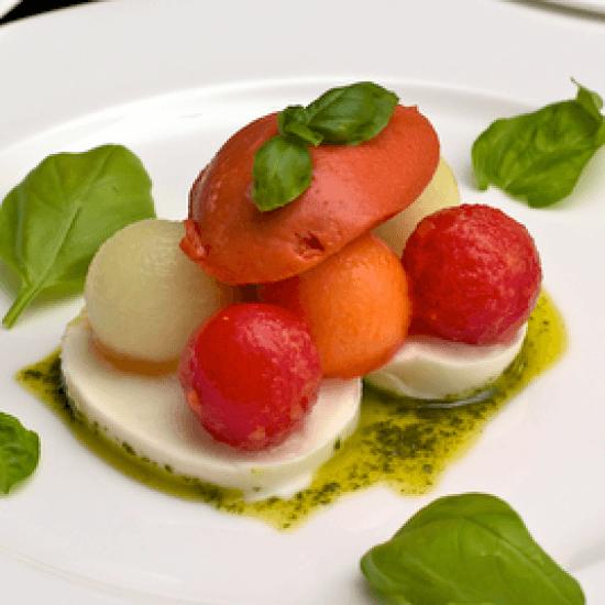 Rezept http://edekaner.blogspot.com/2011/07/tomaten-melonen-und-basilikum.html