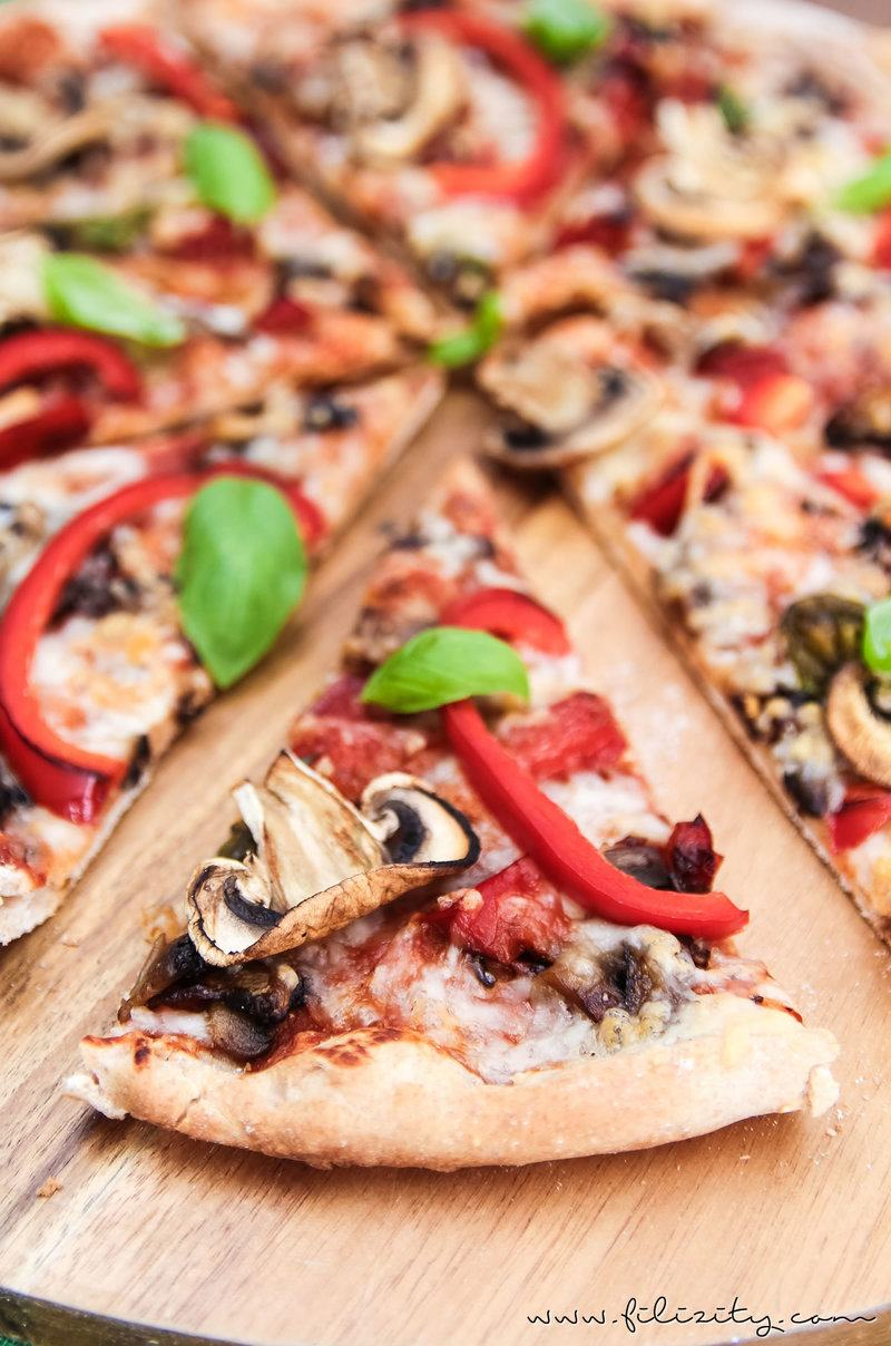 Rezept https://www.filizity.com/food/rezept-veggie-pizza-paprika-champignons