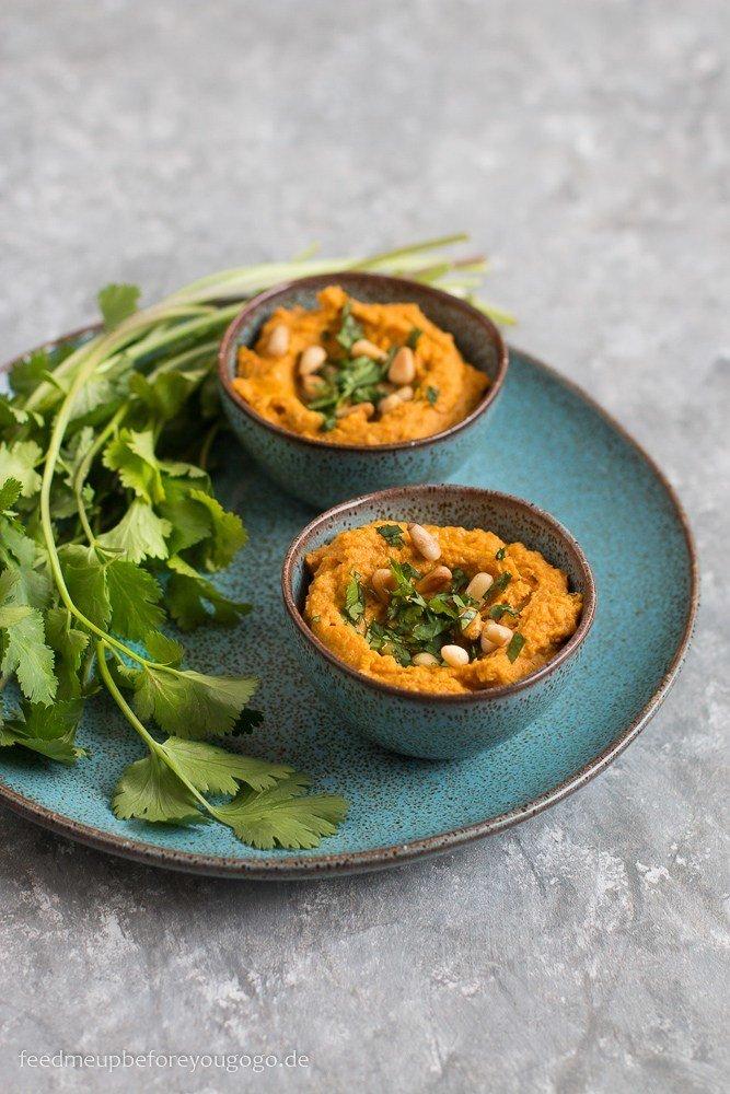Rezept Hummus mit ofengerösteten Möhren und Koriander