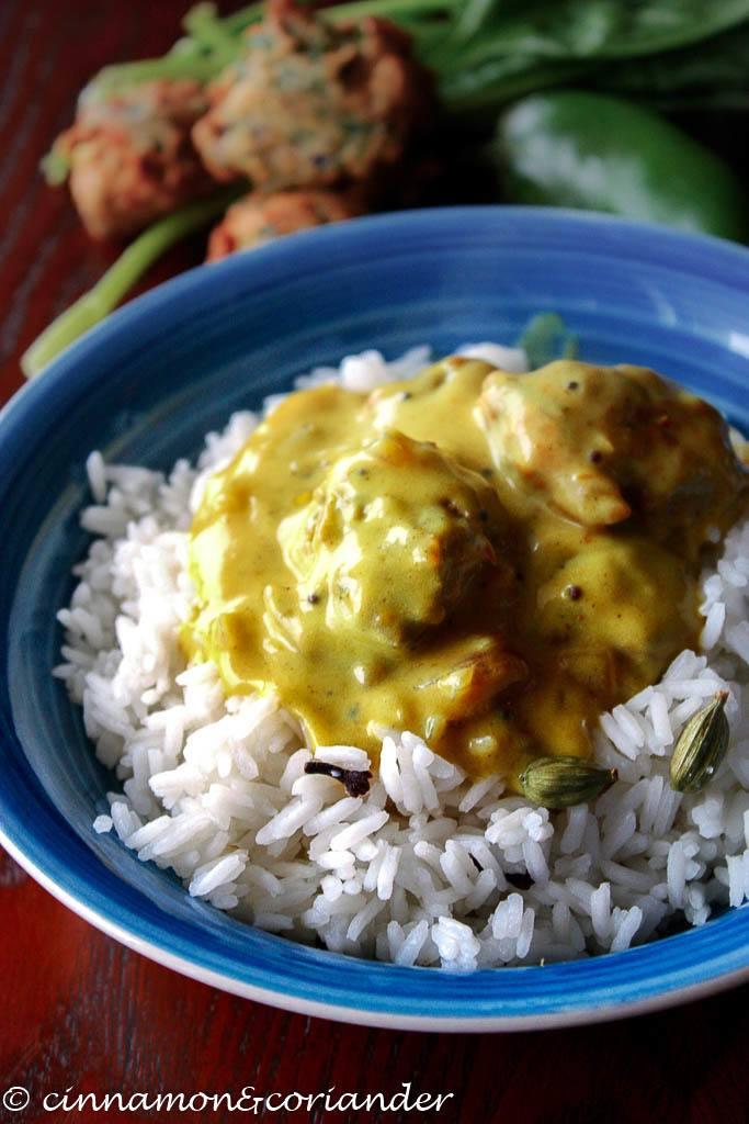 Rezept Indisches Joghurt Curry mit Spinat Klößchen