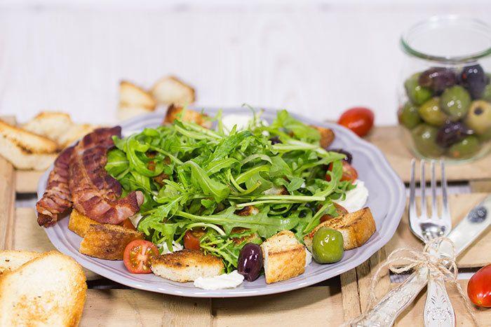 Rezept Italienischer Rucola-Brot-Salat