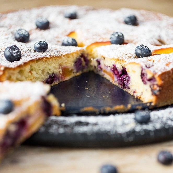 Rezept Joghurt-Tarte mit Pfirsichen und Blaubeeren