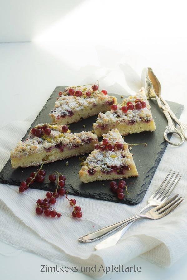 Rezept Johannisbeer-Mandelkuchen mit Mandel-Pistazien-Streuseln