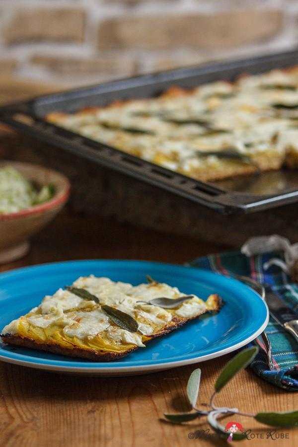 Rezept Kartoffel-Ziegenkäse-Pizza mit Salbeiblättchen