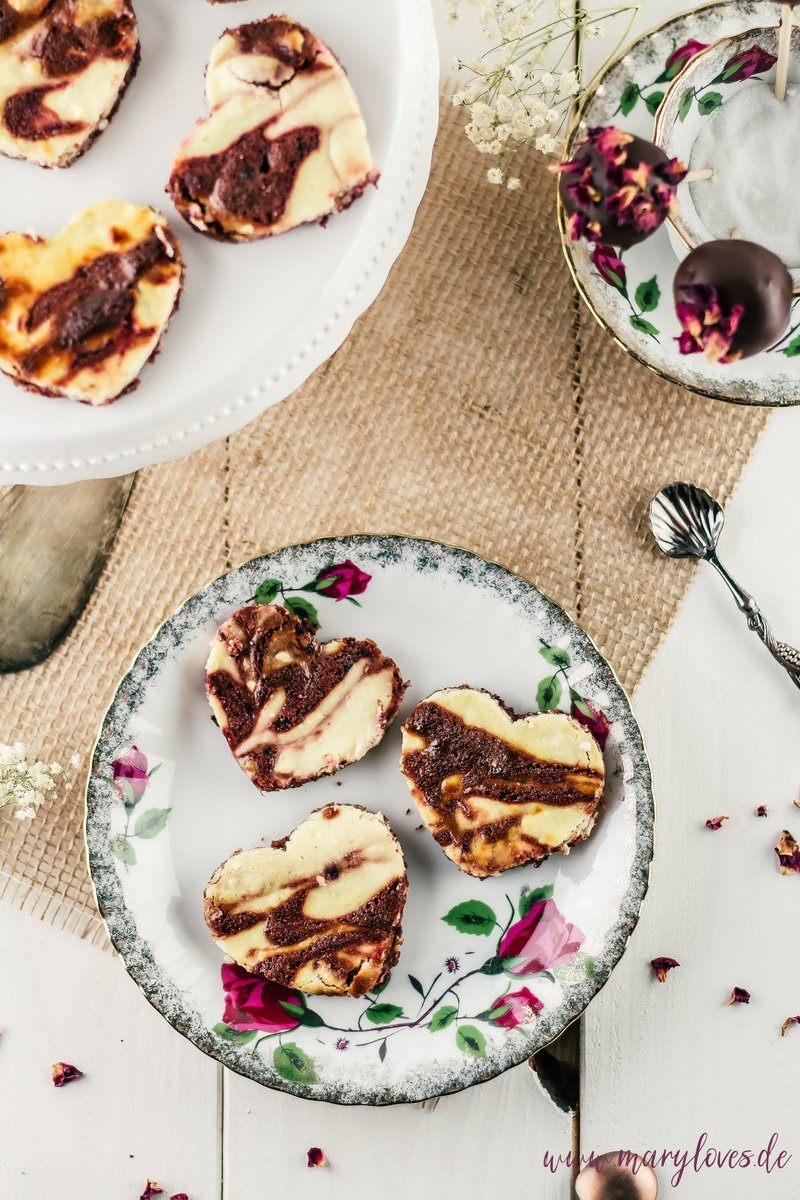 Rezept Käsekuchen-Brownies in Herzform & Brownie-Cheesecake-Pops