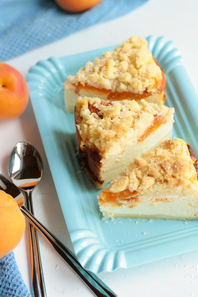 Rezept Käsekuchen mit Aprikosen und Kokosstreuseln