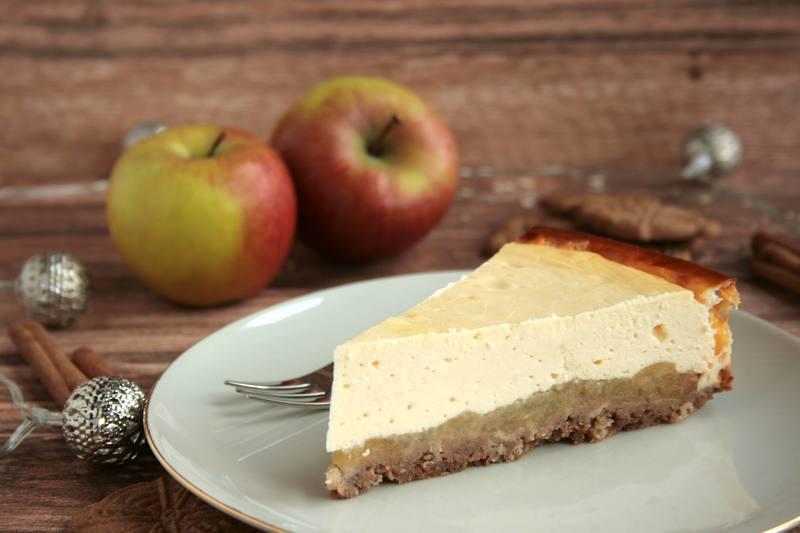 Rezept Käsekuchen mit Spekulatiusboden und Zimtäpfeln