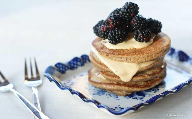 Rezept Kastanienpancakes mit Brombeeren und Cashewcreme