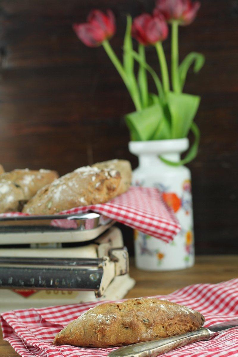 Rezept Kernige Roggen-Dinkel-Brötchen