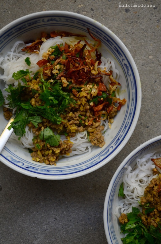 Rezept Khao soi aka Reisnudeln mit Aromasauce und Knusper obendrauf