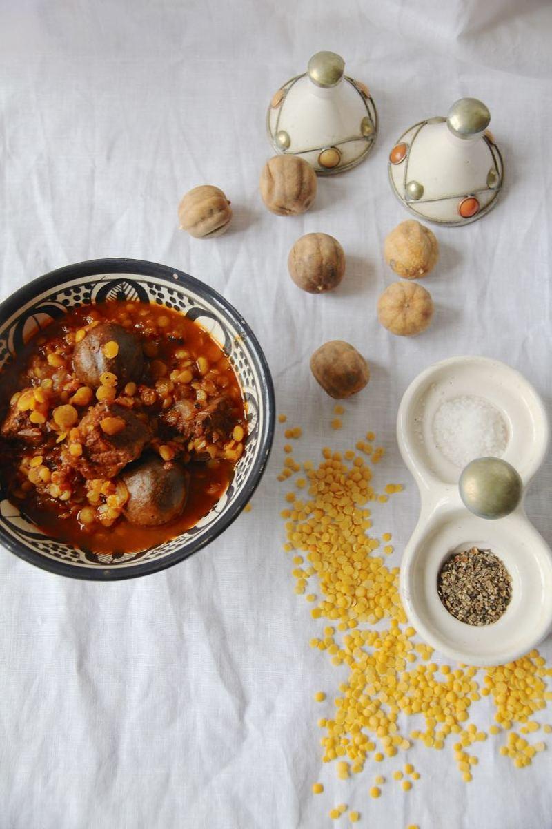 Rezept Khoresht-e Gheymeh - Persisches Lammragout mit getrockneten Limetten und Spalterbsen