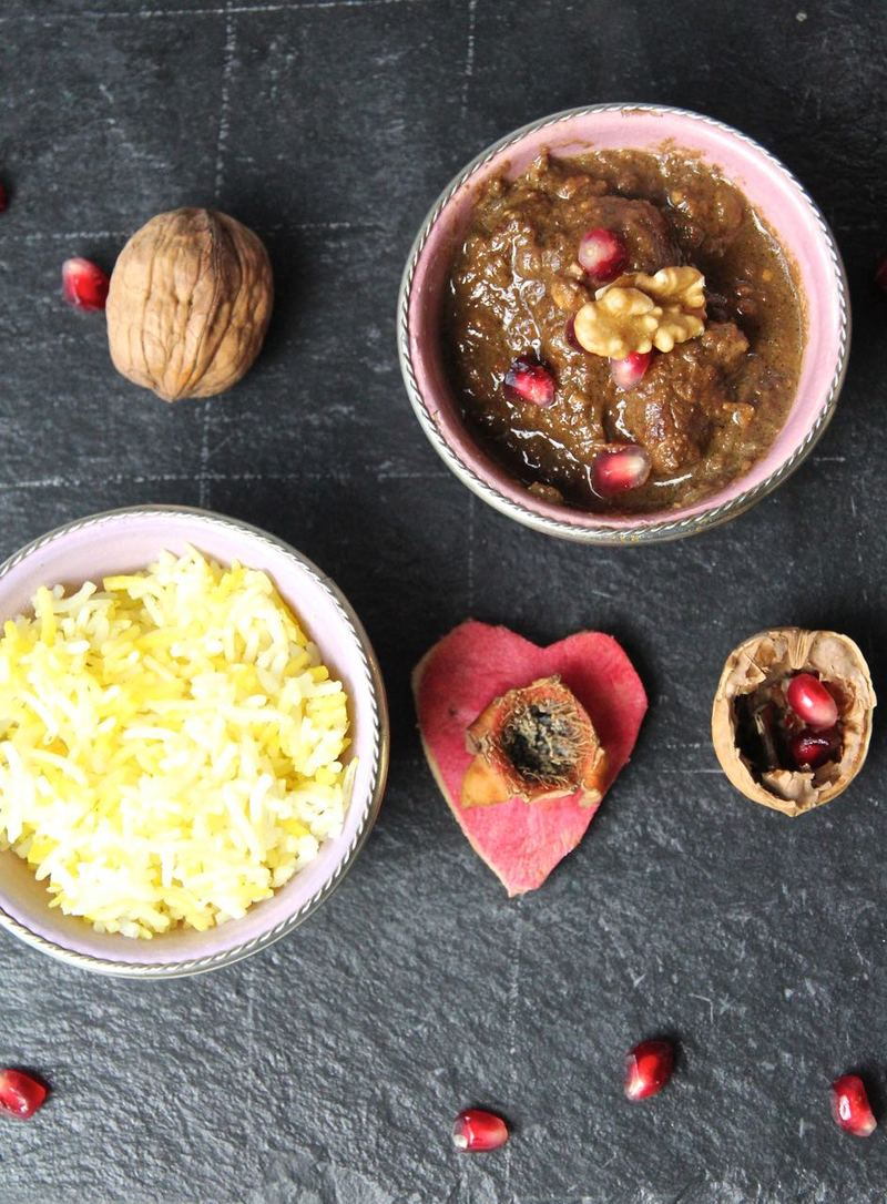 Rezept Khoreshte Fesenjan - Lammschmorgericht in einer Granatapfel-Walnusss-Sosse