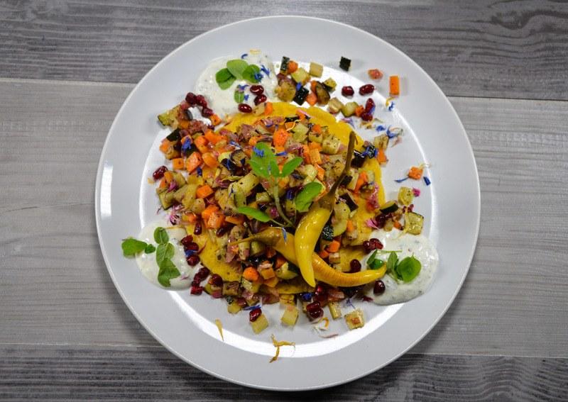 Rezept Kichererbsen-Pancakes mit Röstgemüse und Minz-Joghurt {vegan}