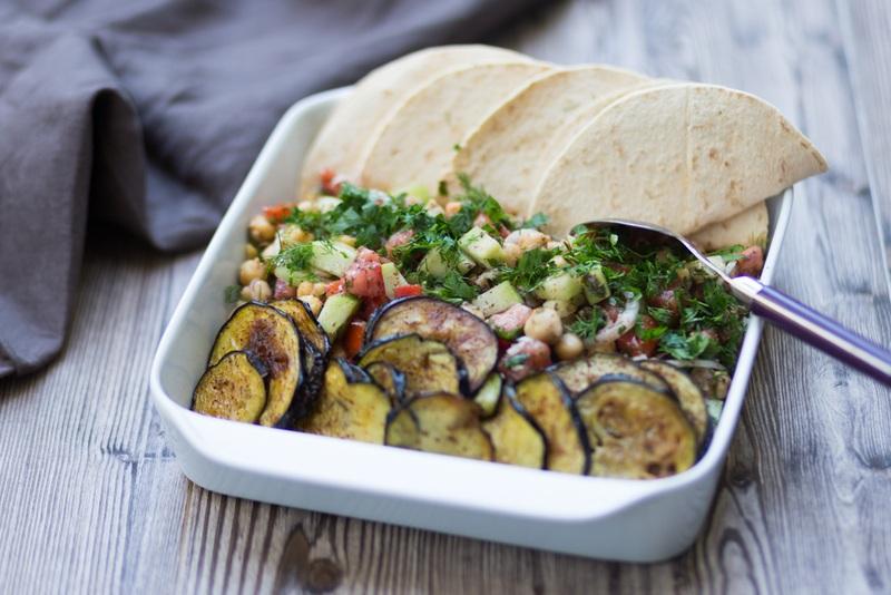 Rezept Kichererbsen-Salat mit gebrannten Auberginen