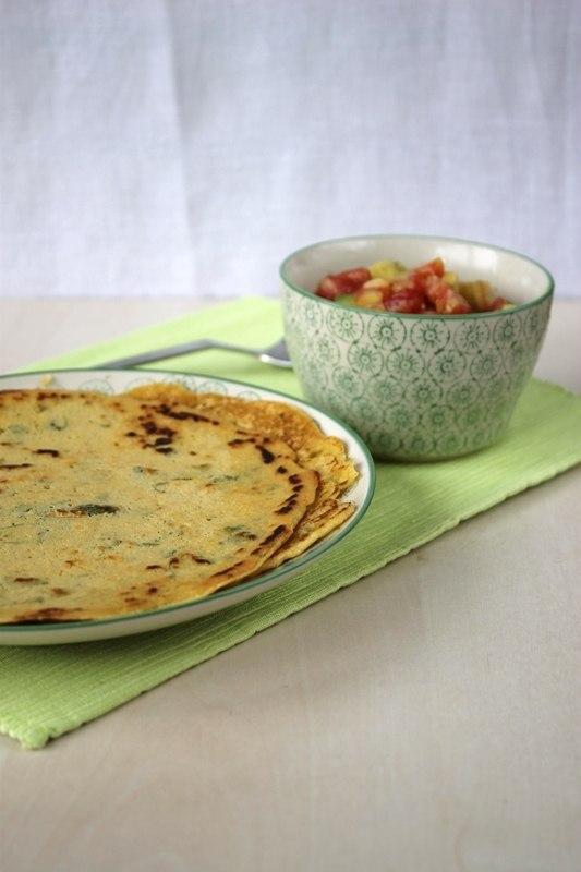 Rezept Kichererbsenpfannkuchen mit Tomaten-Avocado-Füllung