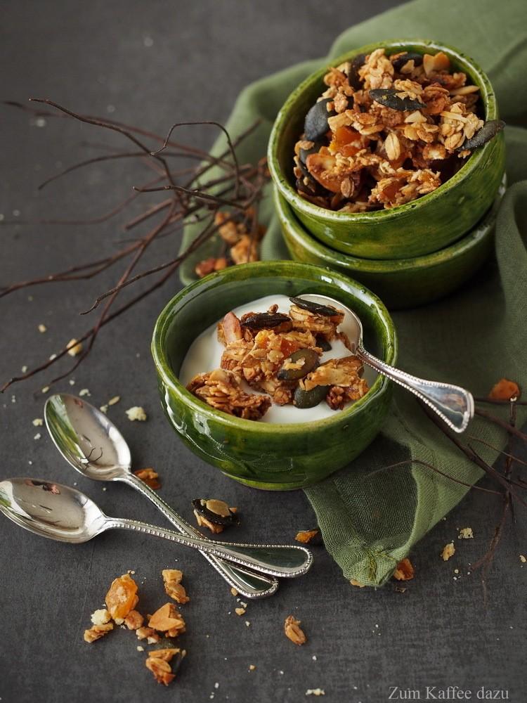 Rezept Knuspermüsli mit Kürbiskernen und Aprikosen
