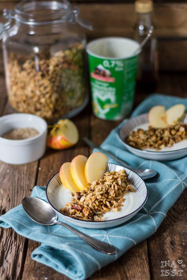 Rezept Knuspermüsli selber machen - Nussgranola mit Sesam