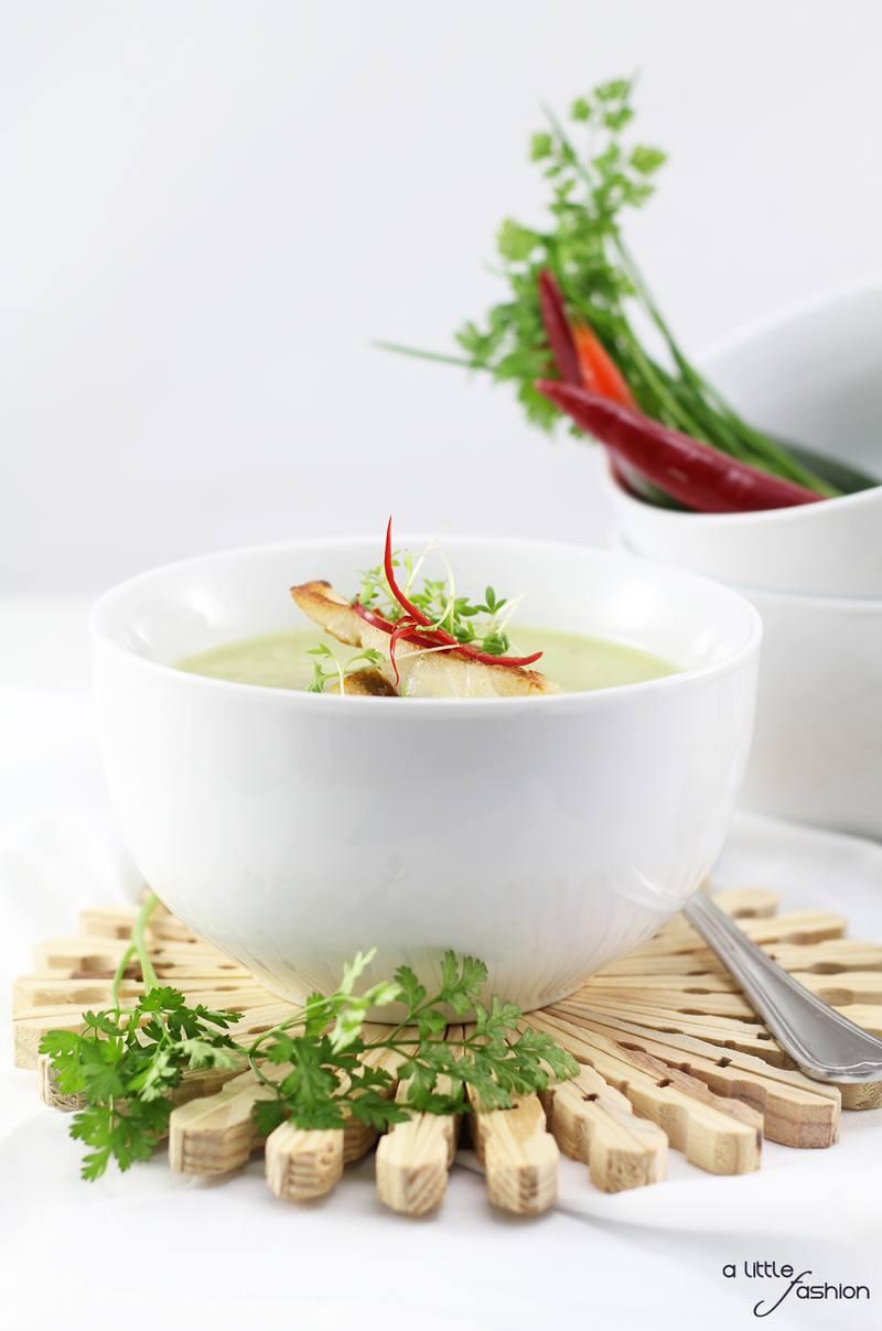 Rezept Kohlrabi-Kräuter-Suppe mit Zander-Filet