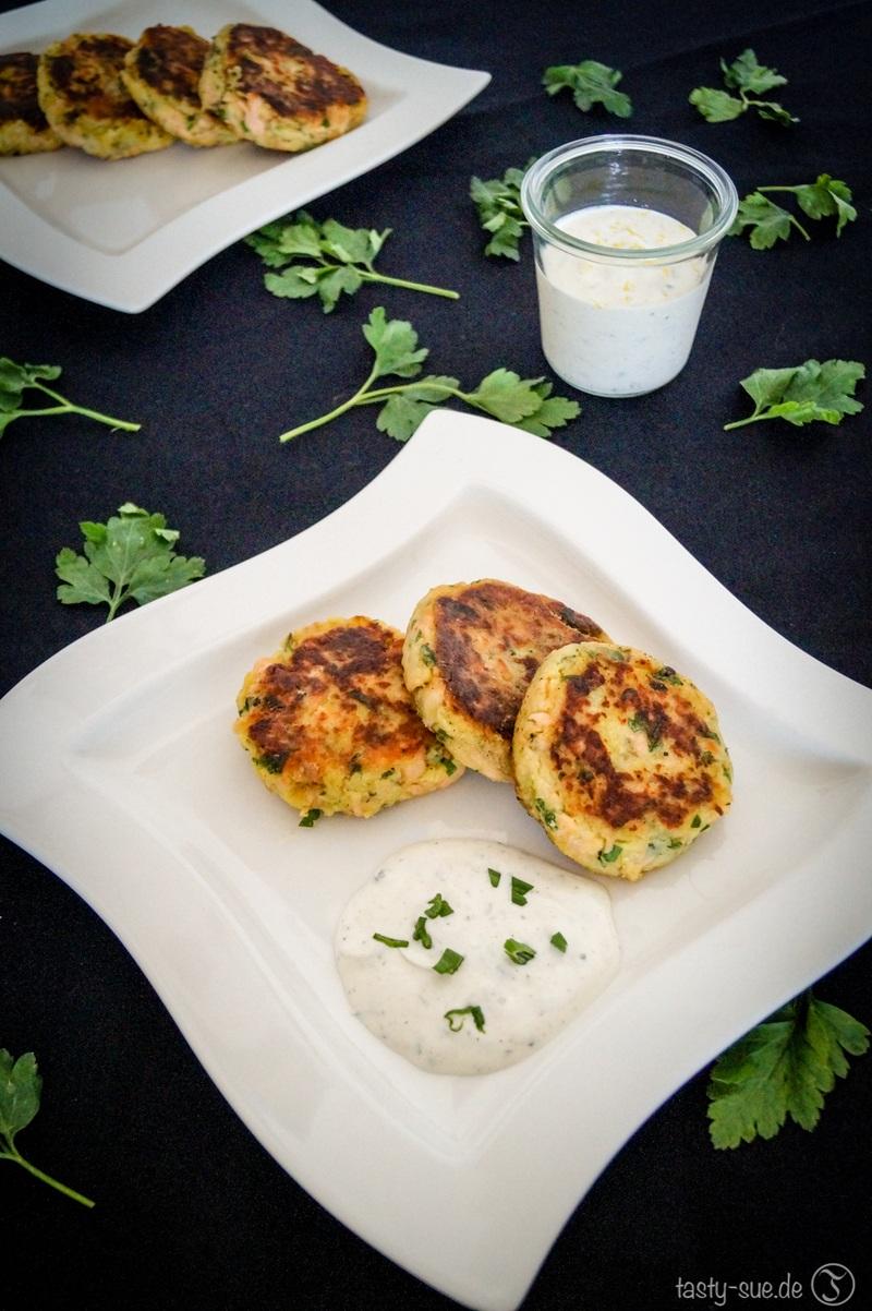 Rezept Lachs-Kartoffel-Pflanzerl mit Sauerrahmdip