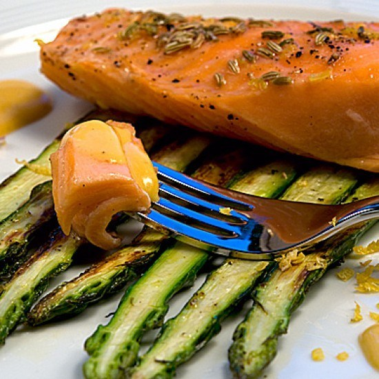 Rezept Lachs mit Pastis-Zabaione auf grünem Spargel