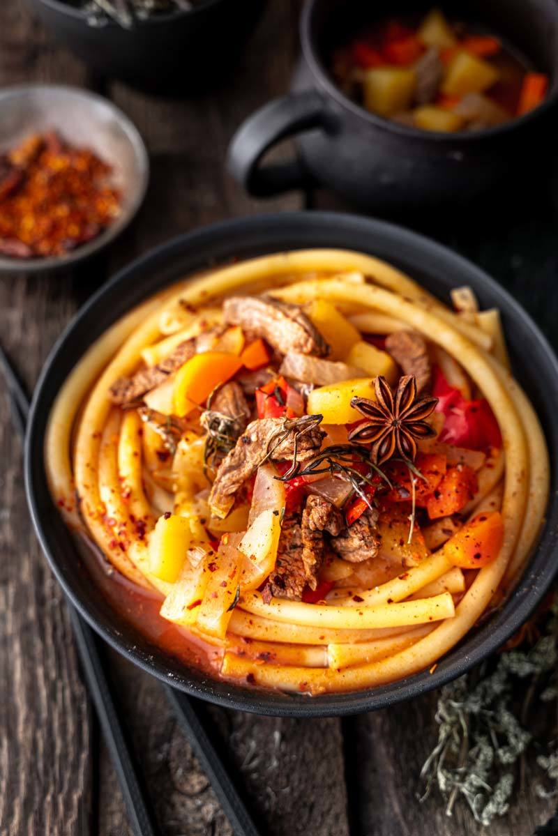 Rezept Lagman – Usbekische Nudelsuppe mit Maccaroni und Rindfleisch