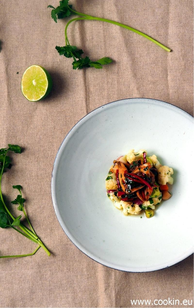 Rezept Lauwarmer Blumenkohl-Salat mit Kichererbsen und Teriyaki-Hähnchen
