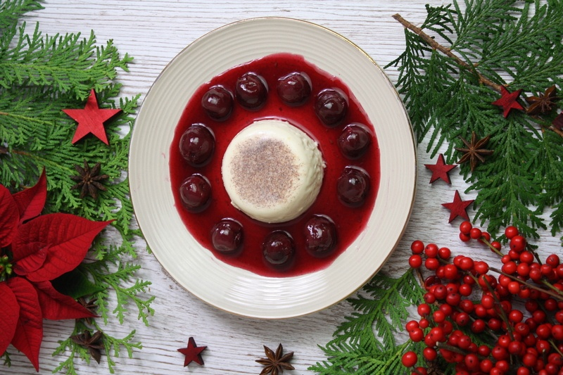 Rezept Lebkuchen-Panna-cotta mit Gewürzkirschen