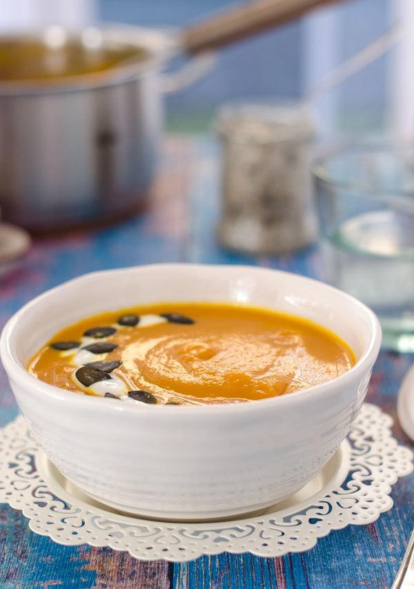 Rezept Leichte Kürbis-Karottensuppe mit rotem Curry