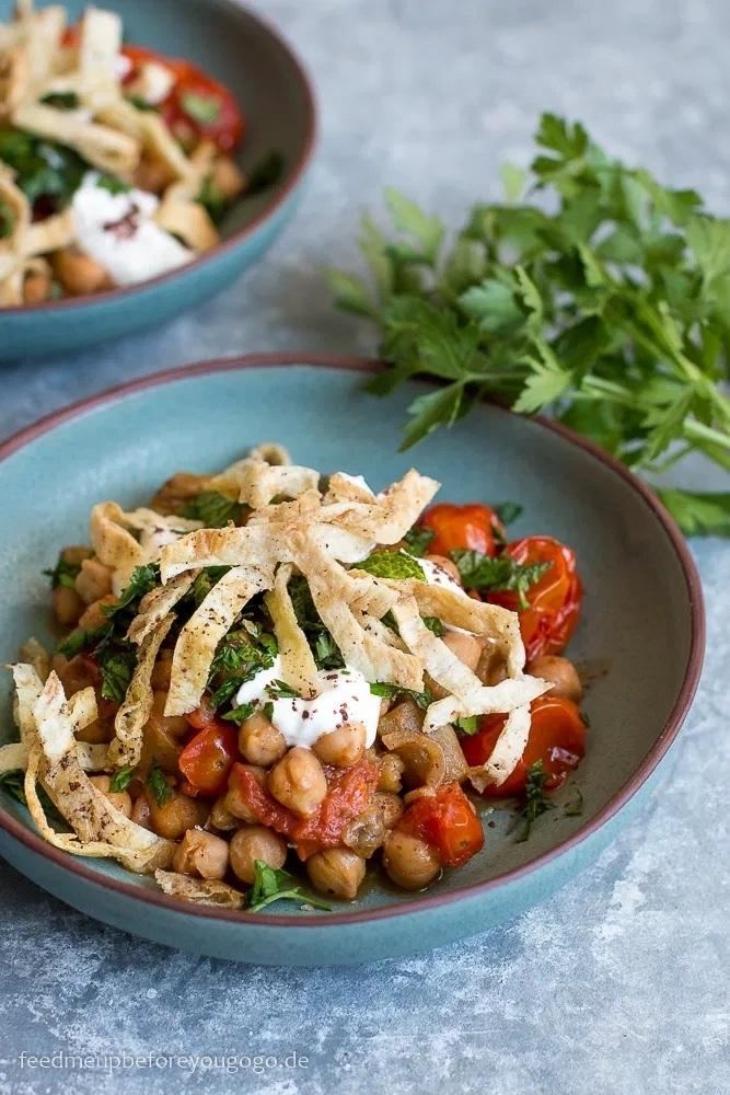 Rezept Libanesische Kichererbsen mit Aubergine, Joghurt und Pitachips