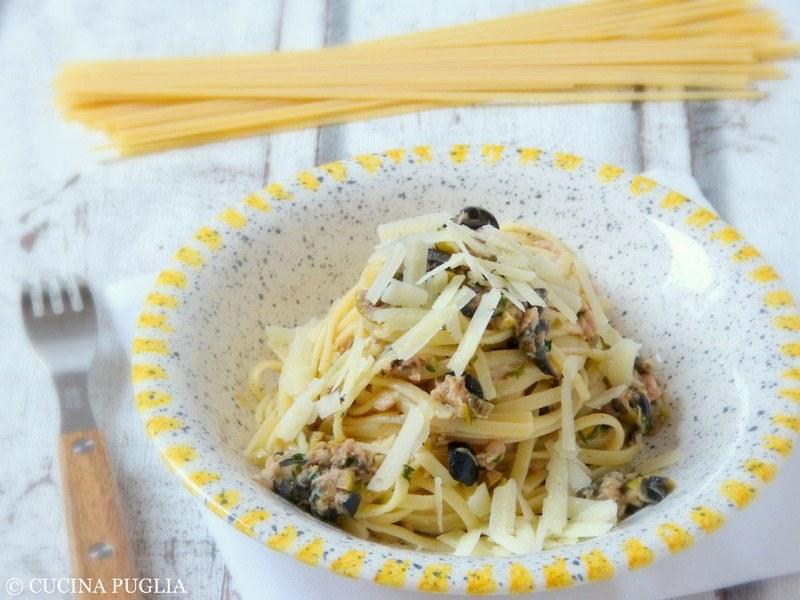 Rezept Linguine con tonno, olive e capperi