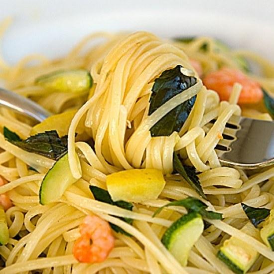 Rezept Linguine mit Zucchini, Zitrone, Krabben und Minze