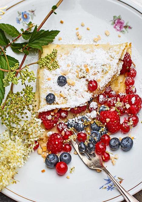 Rezept Mädesüßpfannkuchen mit gemischten Beeren