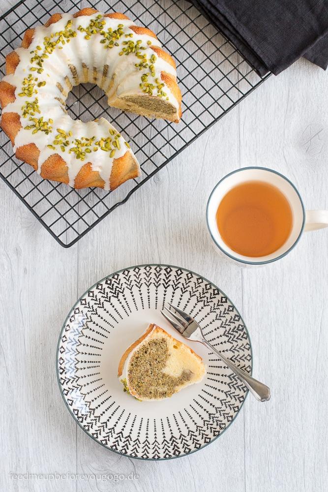 Rezept Mamorkuchen mit weißer Schokolade, grünem Tee und Pistazien