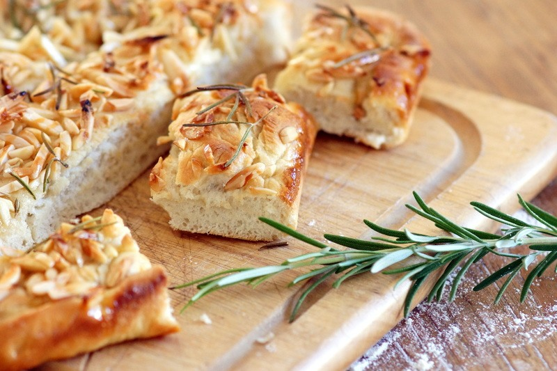 Rezept Mandel-Honig-Kuchen mit Rosmarin
