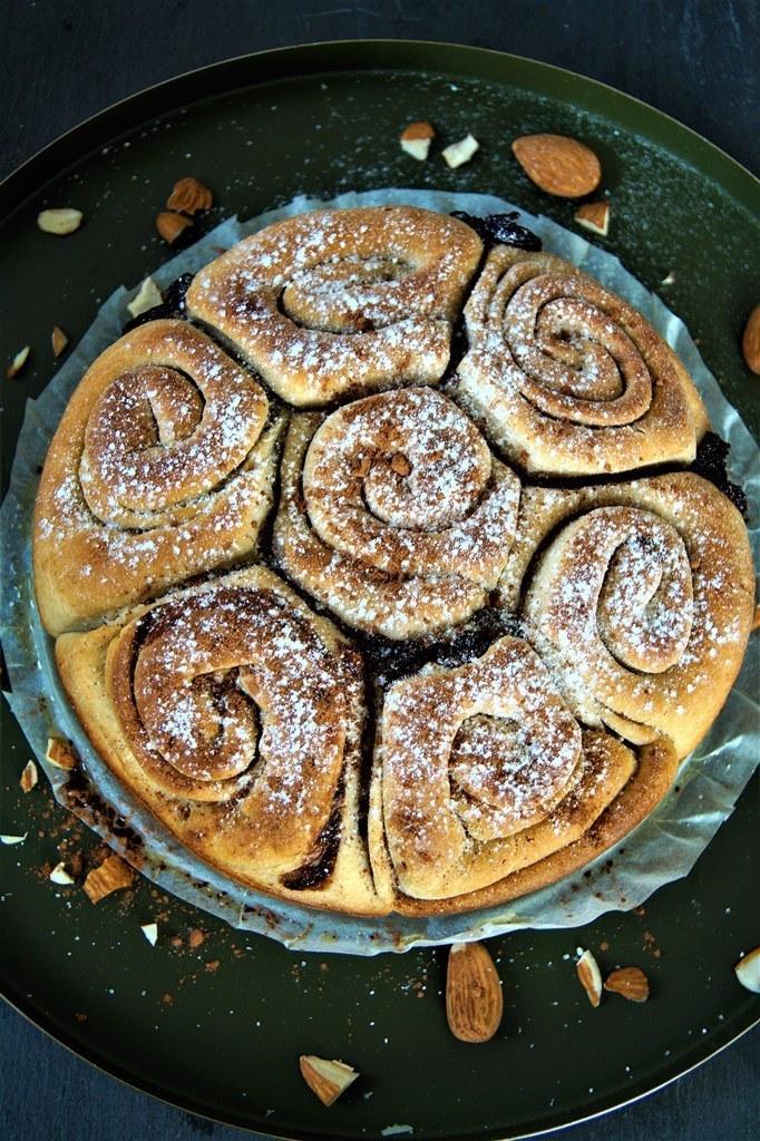 Rezept Mandel Rosenkuchen mit Schokolade / Schokoschneckenkuchen
