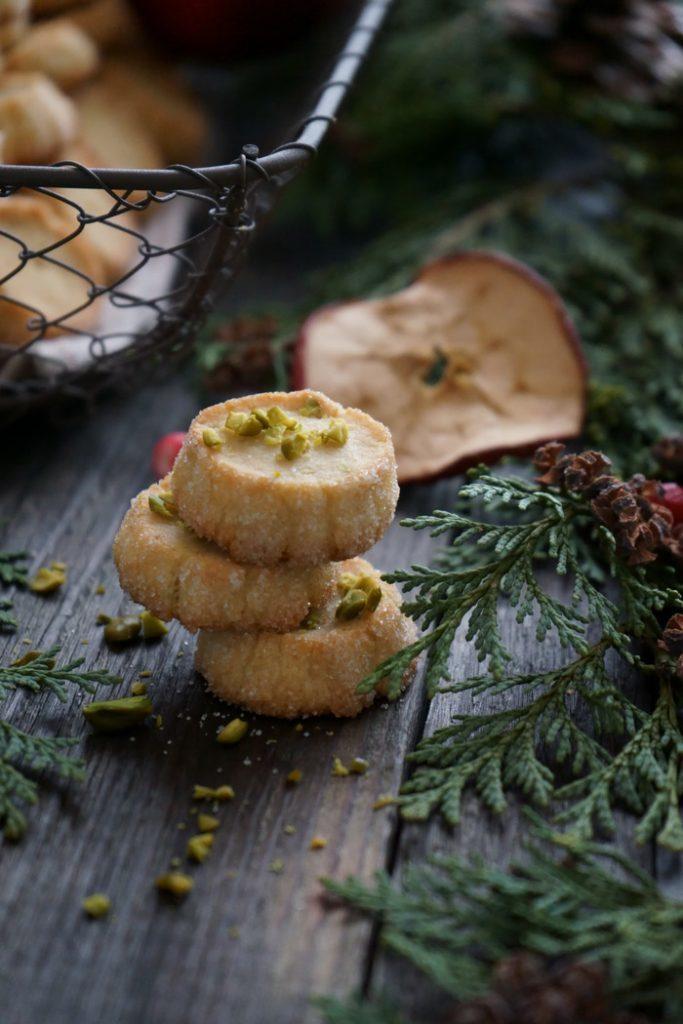 Rezept Marzipan-Heidesandplätzchen mit Pistazien