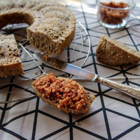 Rezept Mehrkornbrot als Gugelhupf mit veganem Mett