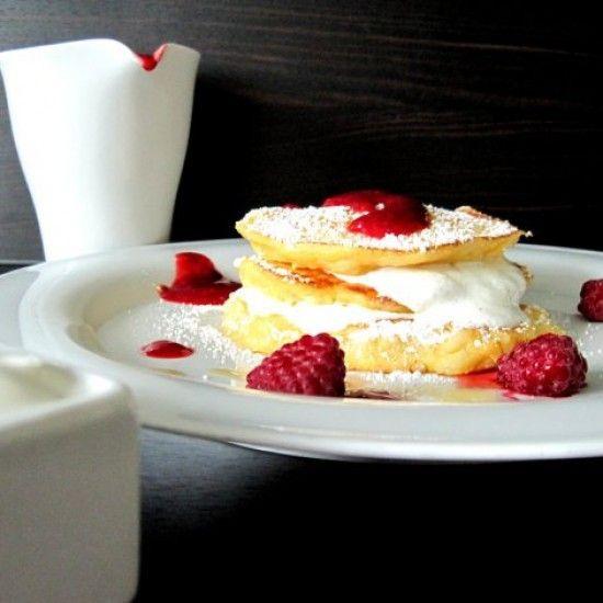 Rezept Milchreis-Pancakes mit griechischem Joghurt, Vanille und Himbeersoße