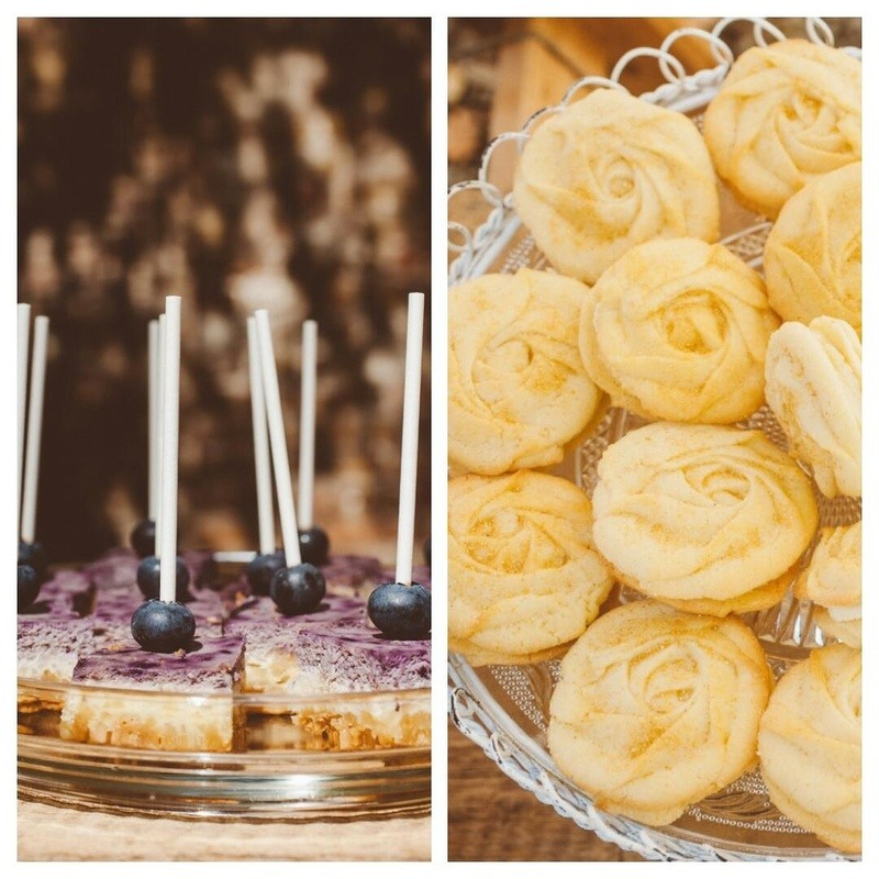 Rezept Mini Blueberry Cheesecake & Rose Cookies